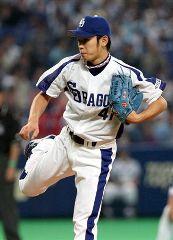 開幕戦に先発して好投で勝ち投手となった浅尾拓也=ナゴヤドーム