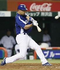 4回表2死一塁から和田が中越えに先制2ランを放つ=西武ドーム