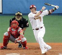 9回裏、全パ1死一、二塁から代打山崎武司が右越えにサヨナラ打を放つ。捕手石原=京セラドーム