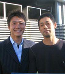 ナゴヤ球場で自主トレを行った新井良太(左)と英智