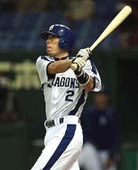 6回裏、レフトスタンドに勝ち越し本塁打を放つ荒木雅博=東京ドーム