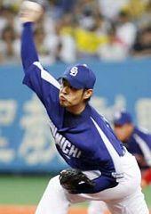 阪神戦に先発して好投9勝目を挙げた朝倉健太=京セラドーム