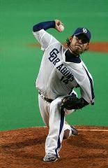 阪神戦に先発して8回を2安打1失点で2勝目を挙げた朝倉健太=ナゴヤドーム