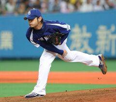 阪神戦に先発して6失点で6敗目を喫したた朝倉健太=京セラドーム大阪