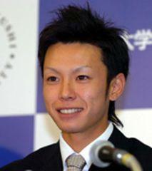 中日の3巡目指名を受けて笑顔を見せる日本福祉大・浅尾拓也投手