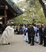 熱田神宮で必勝祈願を行った中日ナインと球団関係者