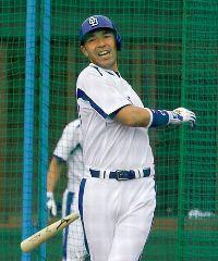キャンプ初日から打撃練習に取り組んだ和田一浩=沖縄北谷