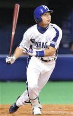 8回裏、2アウトで西川明が右越えに満塁本塁打を放つ=ナゴヤドーム