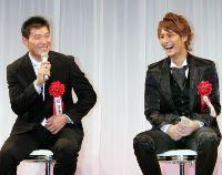 プロスポーツ大賞に出席した福留孝介(左)とダルビッシュ