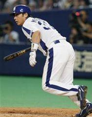 7回裏、2死一、二塁から森野将彦が左翼線に2点二塁打を放つ=ナゴヤドーム