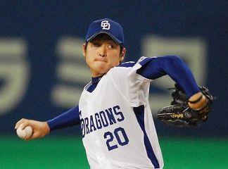 8回を4安打1失点で2勝目を挙げた中田賢一=ナゴヤドーム