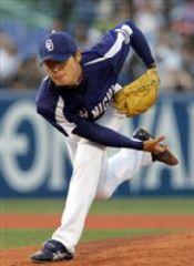 8回1失点で今季初勝利を挙げた中田賢一=神宮