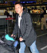 自主トレ先のグアムに向けて出発する立浪和義=中部国際空港
